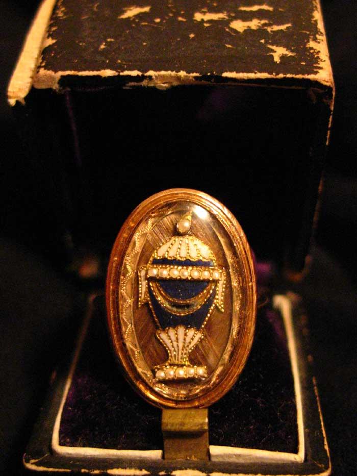 1784 Urn Ring